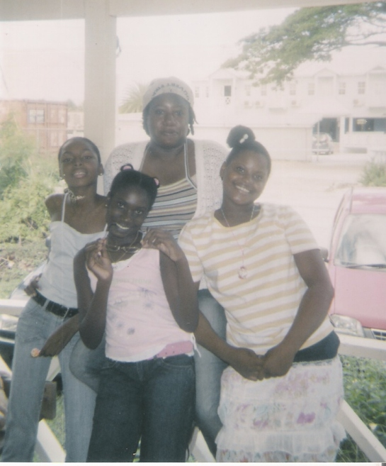 cushion club 2006 - me with my niece velonie, shonnell and Latisha.jpg